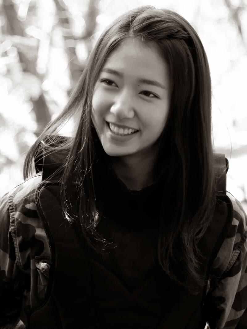 Park Shin-hye     Jauh...