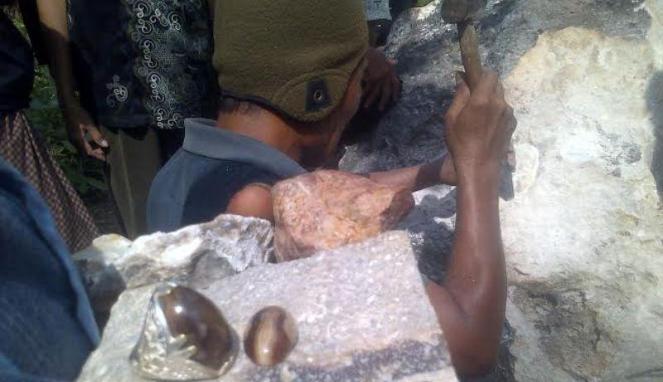 Batu akik, Sumenep, Batang-batang, Wisata