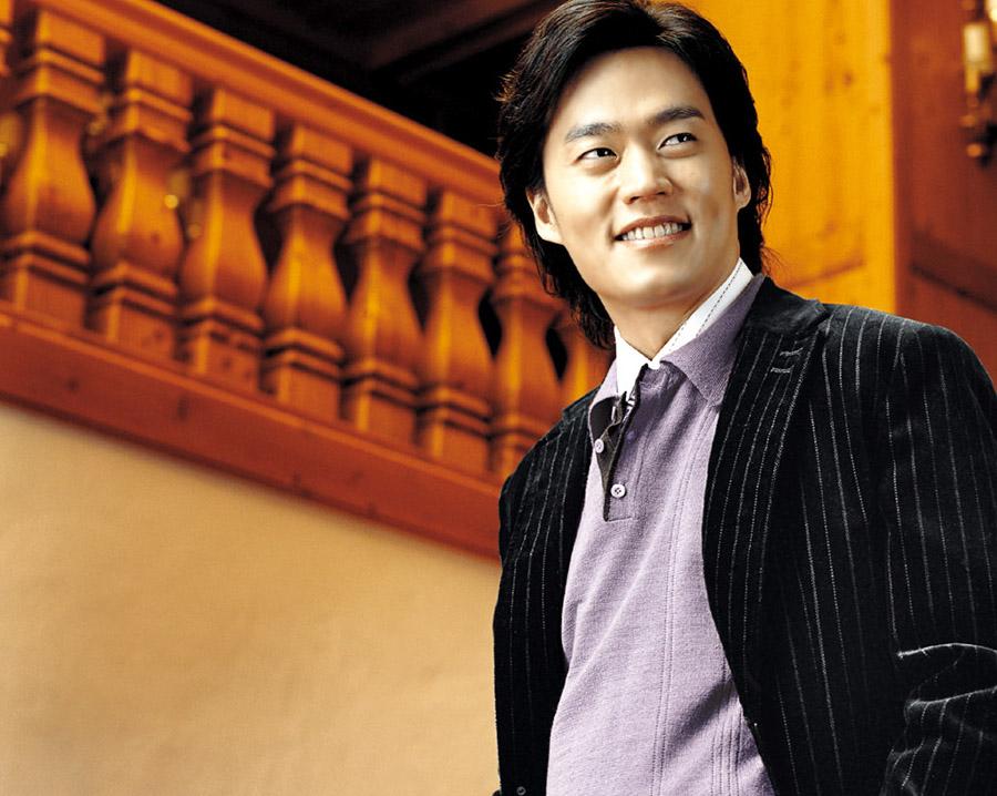 Aktor Lee Seo-jin