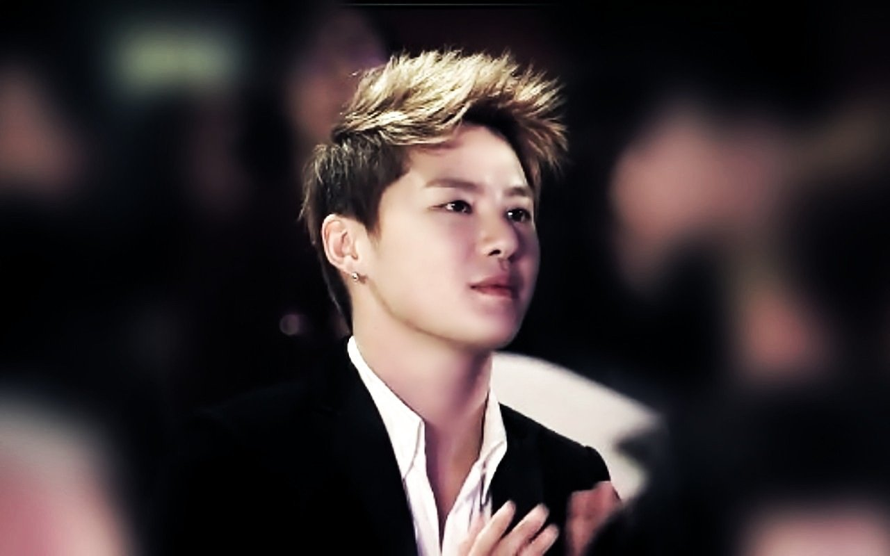 Foto Kim Jun-su atau dikenal Junsu