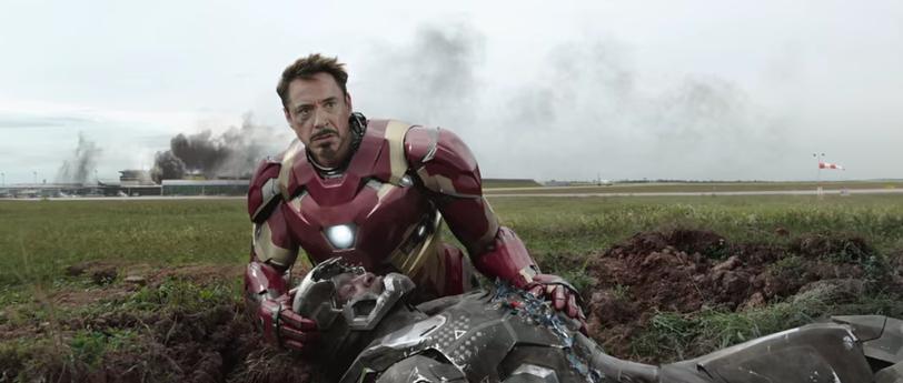 Iron Man (Tony Stark) dan War Machine 2016