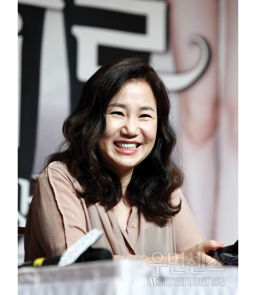 "Kim Eun Sook, The Script Writer of the Korean Drama ""Descendants of the Sun"""