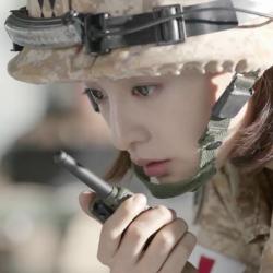 Kim Ji-won sebagai Letnan Pertama Yoon Myung-joo