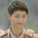 Song Joong-ki sebagai Capten Yo Si-jin