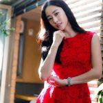 Gaun Merah Jeon Hye Bin