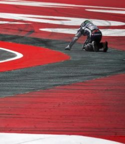 Jorge Lorenzo 99 menyesal gagal finish