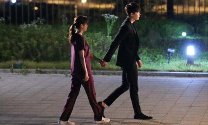 Kang Chul membawa pergi Oh Yeon Joo